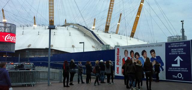 One Direction fans, 5 April 2013