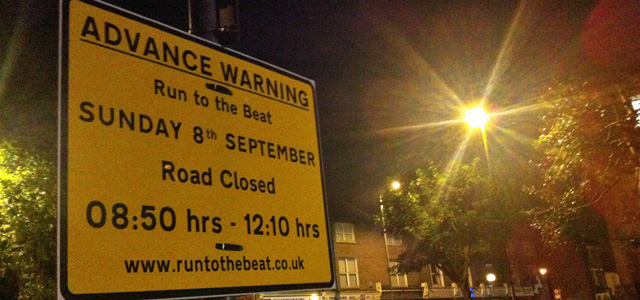 Run to the Beat sign in Wyndcliff Road, Charlton, 26 August 2013
