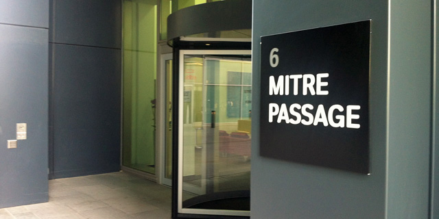 6 Mitre Passage