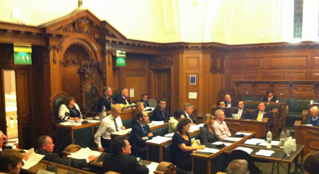 Greenwich Council meeting, 30 October 2013