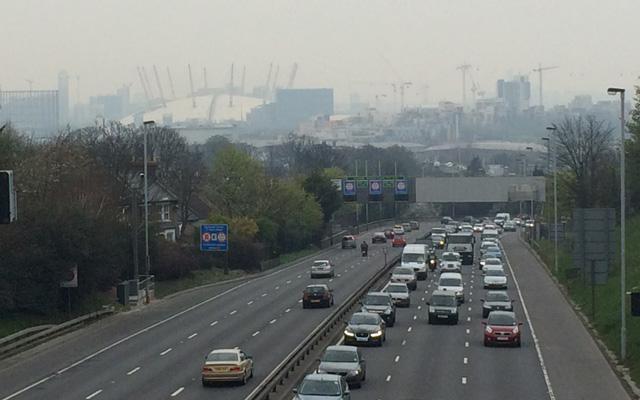 Charlton Road/A102 bridge, 2 April 2014