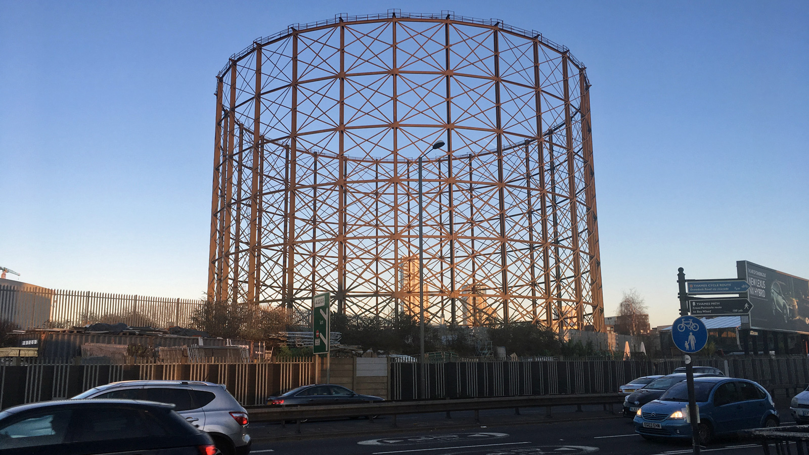 Greenwich gasholder order set to bring Silvertown Tunnel a step closer